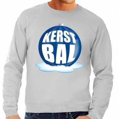 Foute feest kerst sweater blauwe kerstbal grijze sweater heren kerst